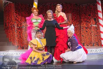 Premiere ´Wiener Blut´ - Herbsttage Blindenmarkt, Ybbsfeldhalle - Fr 08.10.2021 - Daniela FALLY (Regie-Debut) mit weiblichen Ensemble Mitgliedern1