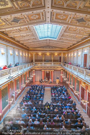 the 80s Ausstellungseröffnung - Albertina Modern Museum, Wien - Sa 09.10.2021 - Brahms-Saal mit Publikum im Wiener Musikverein36
