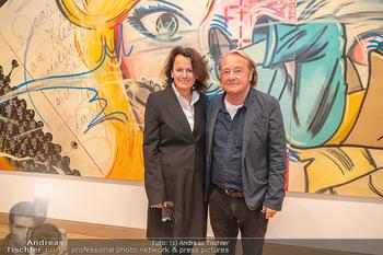 the 80s Ausstellungseröffnung - Albertina Modern Museum, Wien - Sa 09.10.2021 - Hubert SCHEIBL mit Ehefrau54