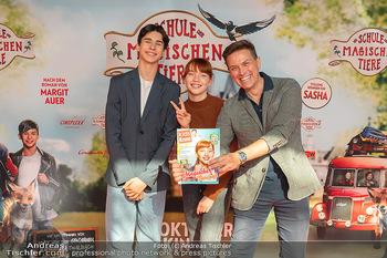Kinopremiere ´Die Schule der magischen Tiere´ - Cineplexx Donauplex - Sa 09.10.2021 - Robert STEINER, Emilia MAIER, Loris SICHROVSKY6