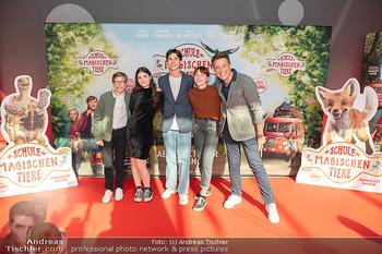 Kinopremiere ´Die Schule der magischen Tiere´ - Cineplexx Donauplex - Sa 09.10.2021 - Robert STEINER, Emilia MAIER, Loris SICHROVSKY, Zoe BANGERT, Thi9