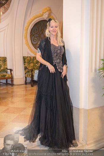 Lugner Verlobung und Geburtstag - Haus der Industrie, Wien - Sa 09.10.2021 - Simone REILÄNDER48