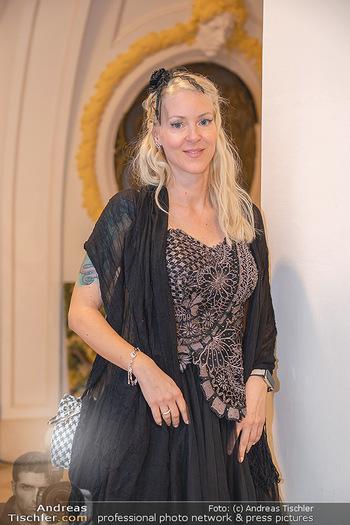Lugner Verlobung und Geburtstag - Haus der Industrie, Wien - Sa 09.10.2021 - Simone REILÄNDER (Portrait)49