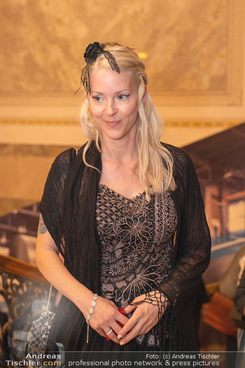 Lugner Verlobung und Geburtstag - Haus der Industrie, Wien - Sa 09.10.2021 - Simone REILÄNDER (Portrait)69