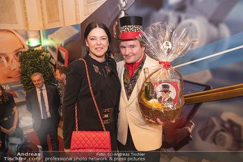 Lugner Verlobung und Geburtstag - Haus der Industrie, Wien - Sa 09.10.2021 - Carmen KREUTZER, Schoko-Michi74