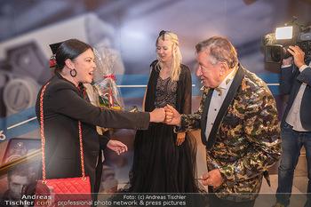 Lugner Verlobung und Geburtstag - Haus der Industrie, Wien - Sa 09.10.2021 - Carmen KREUTZER, Richard LUGNER75