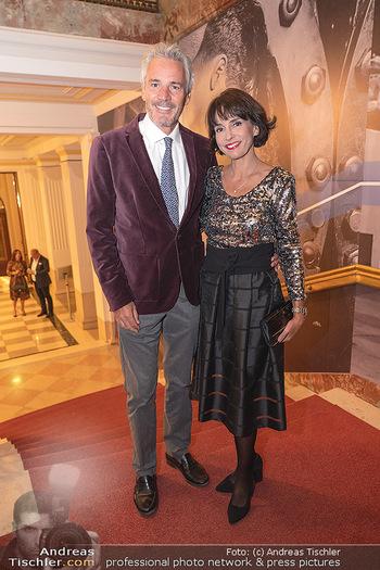 Lugner Verlobung und Geburtstag - Haus der Industrie, Wien - Sa 09.10.2021 - Peter und Sylvia EDELMANN76