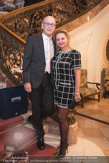 Lugner Verlobung und Geburtstag - Haus der Industrie, Wien - Sa 09.10.2021 - Kurt und Joanna MANN88