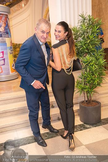Lugner Verlobung und Geburtstag - Haus der Industrie, Wien - Sa 09.10.2021 - Arthur und Kristina WORSEG94
