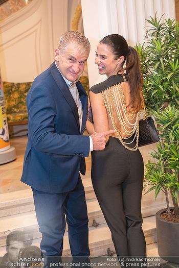 Lugner Verlobung und Geburtstag - Haus der Industrie, Wien - Sa 09.10.2021 - Arthur und Kristina WORSEG95