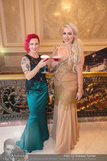 Lugner Verlobung und Geburtstag - Haus der Industrie, Wien - Sa 09.10.2021 - Lydia KELOVITZ (Wildsau), Mariana Momo101