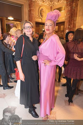 Lugner Verlobung und Geburtstag - Haus der Industrie, Wien - Sa 09.10.2021 - Lisa TROMPISCH, Andrea BUDAY102