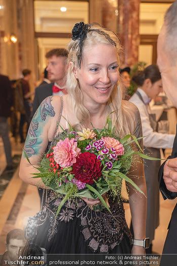 Lugner Verlobung und Geburtstag - Haus der Industrie, Wien - Sa 09.10.2021 - Simone REILÄNDER110