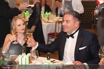 Lugner Verlobung und Geburtstag - Haus der Industrie, Wien - Sa 09.10.2021 - Jacqueline LUGNER mit Freund Leo KOHLBAUER124