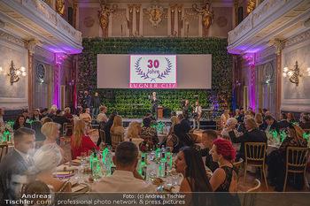 Lugner Verlobung und Geburtstag - Haus der Industrie, Wien - Sa 09.10.2021 - Der Festsaal, Bühne, Moderation130