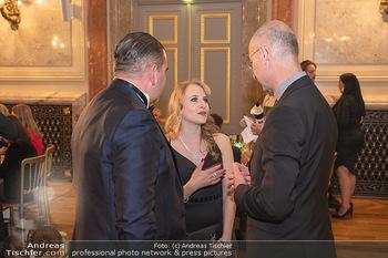 Lugner Verlobung und Geburtstag - Haus der Industrie, Wien - Sa 09.10.2021 - Jacqueline LUGNER mit Freund Leo KOHLBAUER, Anton Toni FABER136