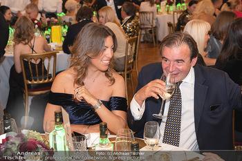 Lugner Verlobung und Geburtstag - Haus der Industrie, Wien - Sa 09.10.2021 - Alexander LUGNER mit Begleitung140