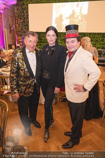 Lugner Verlobung und Geburtstag - Haus der Industrie, Wien - Sa 09.10.2021 - Richard LUGNER, Carmen KREUTZER, Schoko-Michi141