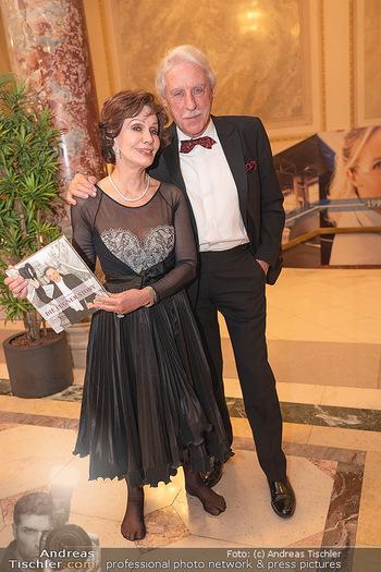 Lugner Verlobung und Geburtstag - Haus der Industrie, Wien - Sa 09.10.2021 - Edith LEYRER, Heinz Horst BUSCH177