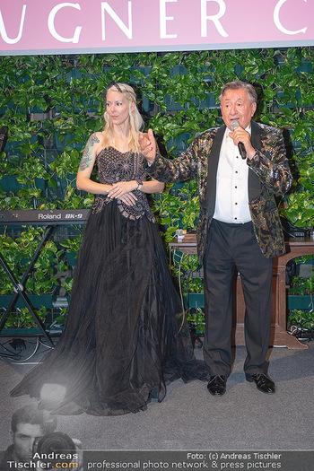 Lugner Verlobung und Geburtstag - Haus der Industrie, Wien - Sa 09.10.2021 - Richard LUGNER, Simone REILÄNDER bei Verlobung190