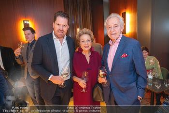 Buchpräsentation ´The Art of Shiki´ - Shiki, Wien - Mo 11.10.2021 - Familie Harald und Ingeborg SERAFIN mit Sohn Daniel33