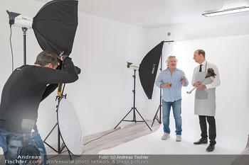 Plakat Fotoshooting - Fotostudio Berndorf - Mi 13.10.2021 - Alexander JAGSCH, Gregor SEBERG im Studio23