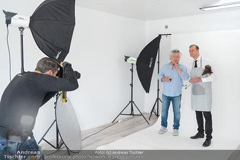 Plakat Fotoshooting - Fotostudio Berndorf - Mi 13.10.2021 - Alexander JAGSCH, Gregor SEBERG im Studio24