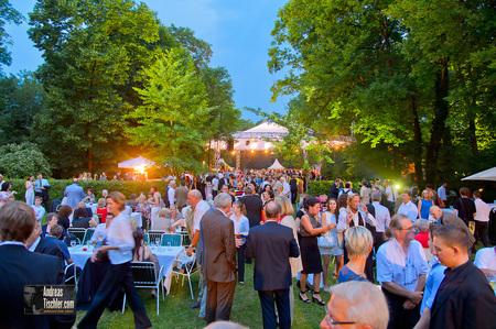 Kanzlerfest Sommerfest 2012Gartenparty, Sommerparty, Grillparty, Gartenfest, Partygäste - Gartenparty, Sommerparty, Grillparty, Gartenfest, Partygäste by Andreas Tischler