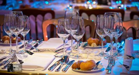 Tischdeko, Gläser, Gedeck, Besteck, Dinner - Tischdeko, Gläser, Gedeck, Besteck, Dinner by Andreas Tischler