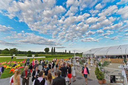 RMS Sommerfest 2013Sommerfest, Wolken, blauer Himmel - Sommerfest, Wolken, blauer Himmel by Andreas Tischler