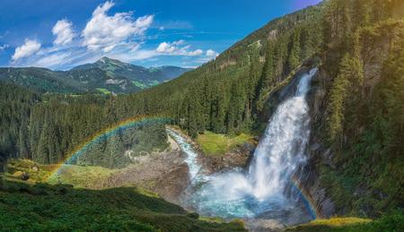 beliebtes Ausflugsziel Krimmler Wasserfälle bei Krimml in Salzburg - beliebtes Ausflugsziel Krimmler Wasserfälle bei Krimml in Salzb by Andreas Tischler