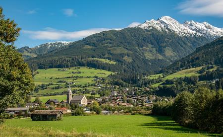 Österreich Natur Landschaft Tourismus Urlaub - Tirol Niedernsil Ortschaft Kirche Idylle Alpen Alm Wiesen Bergwe by Andreas Tischler