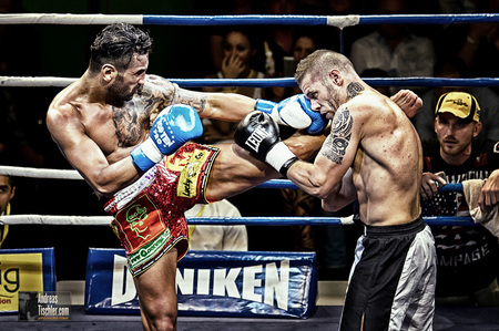- Boxkampf by Andreas Tischler