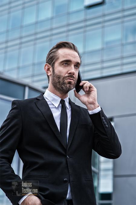 Businessman, Telefon, Handy, moderne Büros, Architektur - Businessman, Telefon, Handy, moderne Büros, Architektur by Andreas Tischler