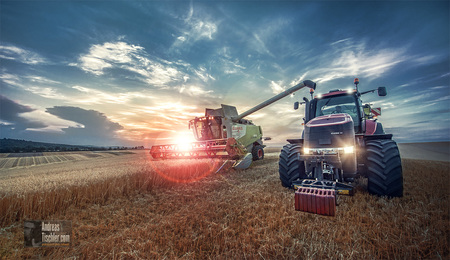 Ernte Mähdrescher Traktor KornfeldErnte Mähdrescher Traktor Kornfeld - Ernte Mähdrescher Traktor Kornfeld by Andreas Tischler